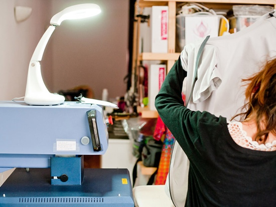 25550814 122507 TshirtOS เสื้อยืดที่แสดงสถานะ หรือทวีต จากมือถือ ตัวแรกของโลก