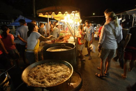 Bangkok courtesy of Tourism Authority of Thailand 524x350 Asias 10 Greatest Street Food Cities สุดยอดอาหารริมทาง ขอยกให้ กรุงเทพฯ