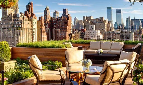 US NY Surrey Rooftop Green on Rooftop Restaurant แนวคิดเรื่อง สวนครัวบนตึก ระฟ้า