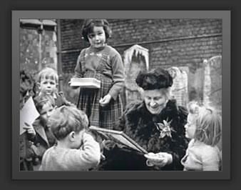 maria montessori with children Maria Montessoris 142 Birthday ..เธอคือใคร สำคัญอย่างไร