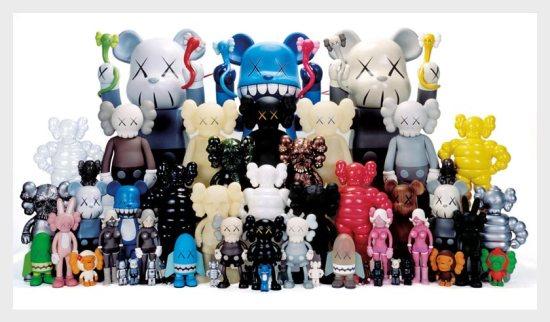 35 dg kawsfamily 550x322 KAWS Toy ของเล่นเด็กสตรีท