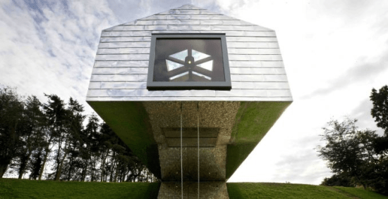 balancing barn2 550x283 Living Architecture เปิดโอกาสให้ผู้คนได้เข้าไปใช้ชีวิตในบรรดาบ้านสุดเท่ ผ่านระบบการเช่า