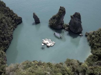 cine01 425x318 Floating cinema โรงหนังลอยน้ำที่เกาะยาวน้อย