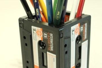 DIYที่ใส่ดินสอจากเทปคาสเซ็ตเก่า..แนว Retro ที่กำลังเทรนในยุคนี้