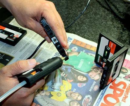 25551013 191502 DIYที่ใส่ดินสอจากเทปคาสเซ็ตเก่า..แนว Retro ที่กำลังเทรนในยุคนี้