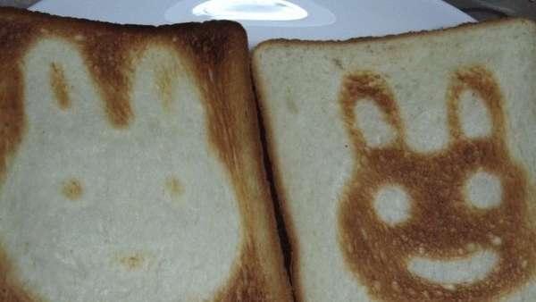 25551017 100445 DIY สร้างสรรค์ภาพการ์ตูนบนขนมปัง..ง่ายๆจากฟลอยห่ออาหาร