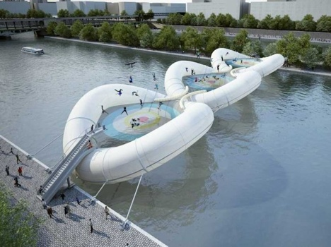 25551019 232637 บิน และโดดข้ามแม่น้ำด้วยTrampoline bridge ในปารีส