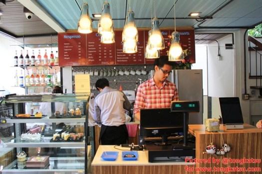 IMG 9558 525x350 LIBRARISTA Chiang Mai ห้องสมุดใจกลางเมืองเชียงใหม่ +พร้อมกาแฟแคปซูล