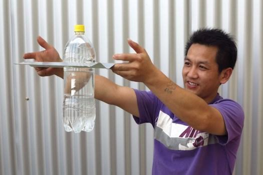 หลอดไฟจากขวดน้ำพลาสติก... 18 - Sustainable design