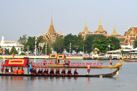 25551109 170105 งานยิ่งใหญ่ของคนไทยทั้งประเทศ..ขบวนพยุหยาตราทางชลมารค