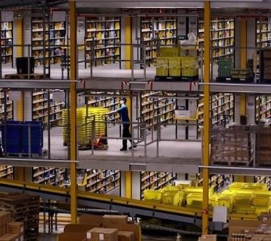 มีอะไรใน Amazons Warehouse 14 - Amazon