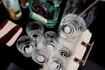 DIY: Marbleized + Striped Glassware สร้างสรรค์แก้วลายหินอ่อน สำหรับปาร์ตี้ 2 - Marbleized
