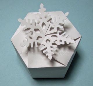 25551215 204258 DIY และเทมเพลท กล่องของขวัญ snowflake