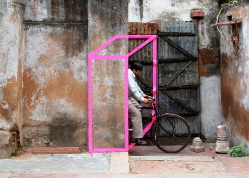 aakash nihalani01 489x350 3D Tape Art Installation เทปกาวลายกราฟิก สร้างมิติที่สร้างสรรค์