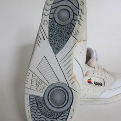 เรื่องของแบรนด์ Apple กับรองเท้า วินเทจ Apple จากยุค 90′s 23 - apple