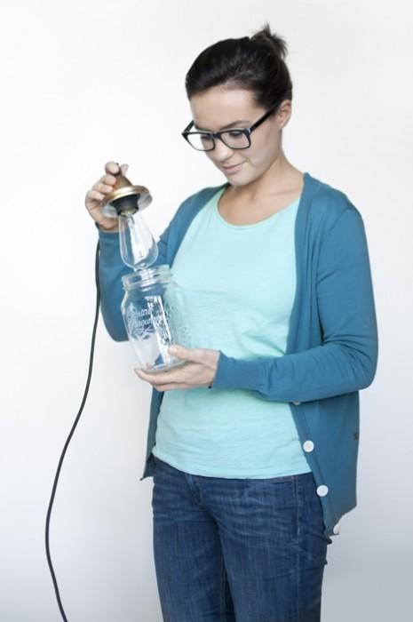 25560115 074541 DIY ทำโคมไฟจากขวดแก้วไม่ใช้แล้ว