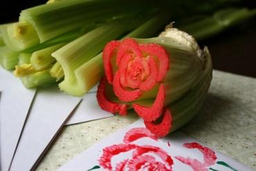 DIY สร้างภาพสวยๆ จากผักในครัว..ง่ายมากกก... 13 - stamping flower