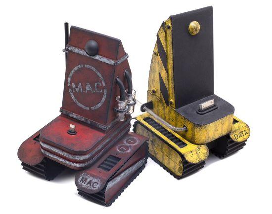 custom_iphone_tank_chargers_3sjqw