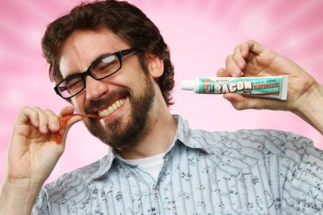 Bacon Flavored Toothpaste ยาสีฟันกลิ่นเบค่อน 46 - REVIEW