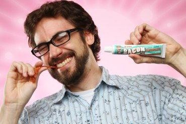 Bacon Flavored Toothpaste ยาสีฟันกลิ่นเบค่อน 20 - REVIEW