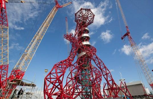 olympics 2012 orbit construction 2 537x350 Arcelormittal orbit tower หอคอยแห่งโอลิมปิค Olympic Park กรุงดอนลอน ประเทศอังกฤษ