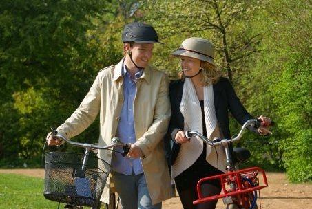 CoupleWithYakkayHelmets Yakkay หมวกจักรยาน ที่ออกแบบเองได้