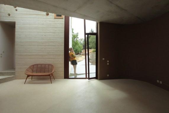 Maison-L-by-Pottgiesser-ArchitecturePossibles-photo-George-Dupin-yatzer-2