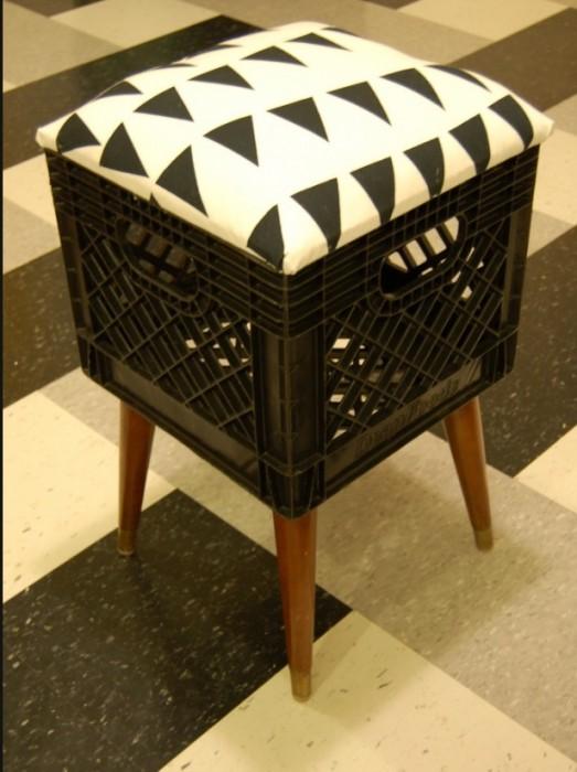 25560303 172339 DIY..เก้าอี้จากลังพลาสติกใช้แล้ว