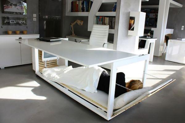 25560316 085237 โต๊ะทำงาน สำหรับคนชอบงีบในที่ทำงาน ซ่อนเตียงไว้ข้างใต้