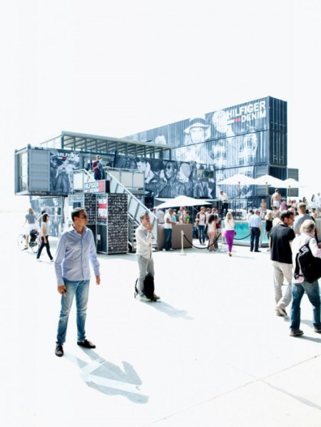 2 pool party hilfiger denim bread and butter summer 2011 container building wall berlin containerbuilding abstrakt