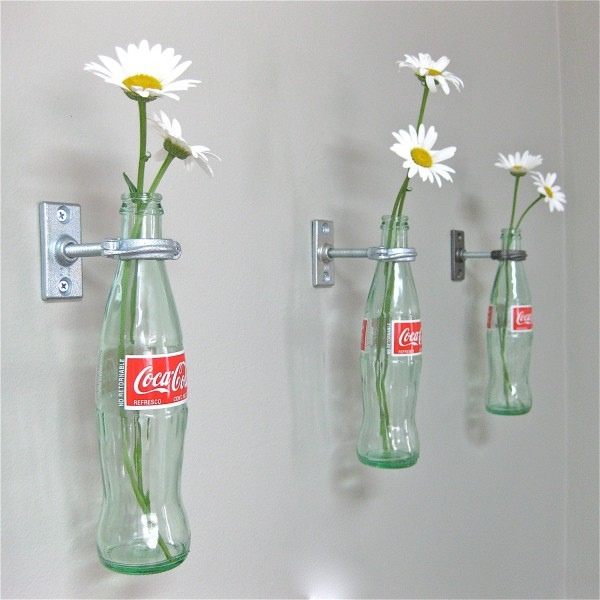 25560412 080602 เพิ่มสีสันด้วยดอกไม้ในแจกันจากขวดเก่า
