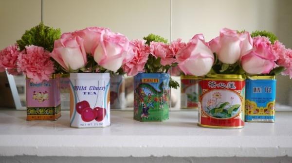 25560412 084801 เพิ่มสีสันด้วยดอกไม้ในแจกันจากขวดเก่า
