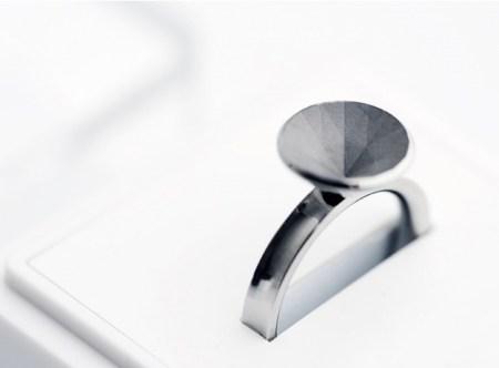 image11 450x332 ขอแต่งงานด้วย Invisible love ring