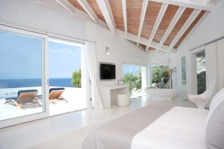 image66 450x299 Mallorca Villa บ้านหรูริมชายฝั่งเมดิเตอร์เรเนียน