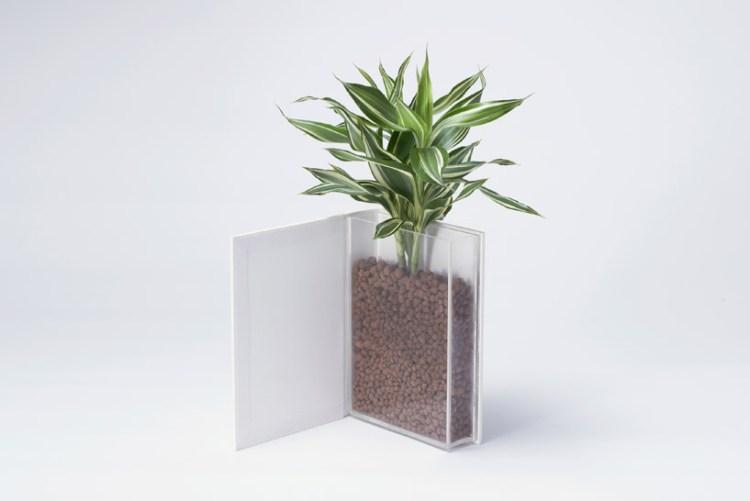 yoybook02 750x501 Book planter นี่หนังสือ หรือ กระถางต้นไม้ ดีไซน์การปลูกต้นไม้จาก YOY studio, Japan