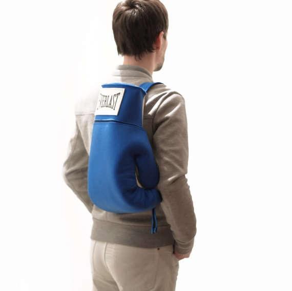 25560525 163345 กระเป๋าสุดแนว...ดูเหมือนทุกอย่างในชีวิตประจำวันยกเว้น...กระเป๋า