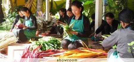 angkorworkers 450x210 Senteurs d'Angkor สินค้าออเเกนนิก ดีไซน์เก๋ แบรนด์จากประเทศกัมพูชา