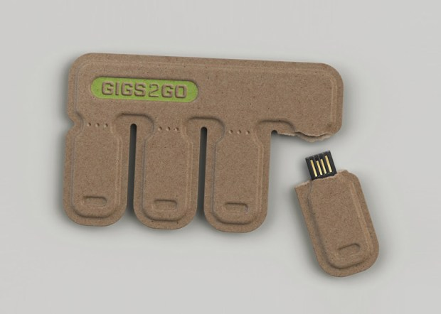 dezeen GIGS.2.GO by Bolt Group ss 2 620x442 GIGS.2.GO ..memory stick หักแล้วแจกกันไปเลย