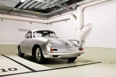 Porsche Museum พิพิธภัณฑ์ของรถพอร์ช ประเทศเยอรมนี 24 - Museum