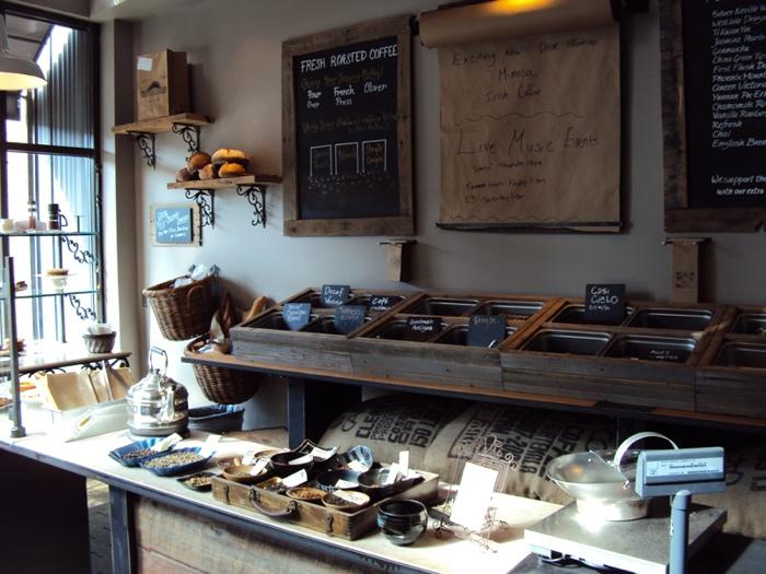 25560617 140602 Starbucks บน15th Avenueในเมืองซีแอตเทิ้ล..แนว Rustic...ได้อารมณ์ลุ่มลึก