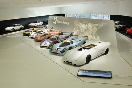porsche museum 11 450x300 Porsche Museum พิพิธภัณฑ์ของรถพอร์ช ประเทศเยอรมนี