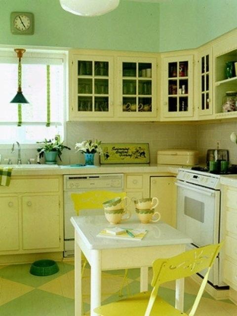 25560710 085507 ไอเดียแต่งห้องครัวด้วยสีเขียว เหลือง 30 แบบ
