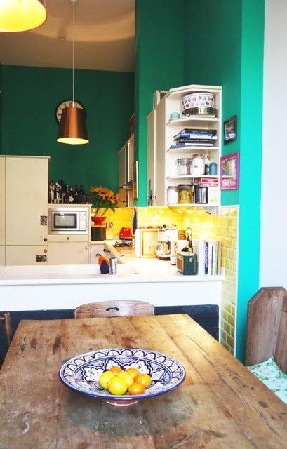 25560710 085524 ไอเดียแต่งห้องครัวด้วยสีเขียว เหลือง 30 แบบ