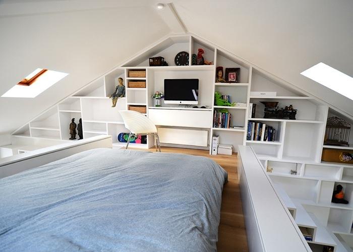 25560714 103617 ผนังและบันได เป็นชั้นวางของ ห้องน้ำเป็นผนังกั้นห้องและมีห้องนอนข้างบน..เพิ่มพื้นที่ และใช้ประโยชน์ได้คุ้มจริงๆ