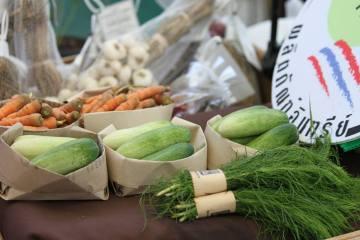 Bangkok Farmers' Market  ตลาดสินค้าสุขภาพและสินค้าออร์แกนิก