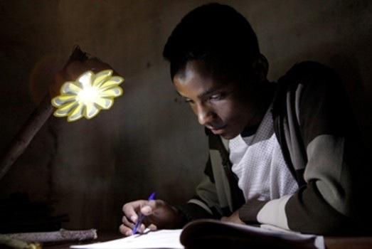 25560904 181003 LED..อนาคตของแสงสว่าง ที่ช่วยให้โลกเราเย็นลง..