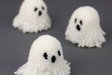Let's Make Halloween Pompoms 31 - DIY