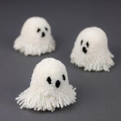 Let's Make Halloween Pompoms 17 - DIY