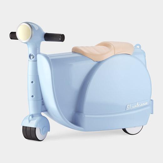 99388 A2 Blue Skootcase Skootcase สำหรับเด็ก เล่นได้ เก็บของได้ :)