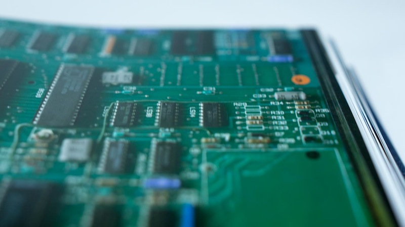 circuit board 01 Iconic แฟนพันธุ์แท้ Apple ห้ามพลาดหนังสือเล่มนี้